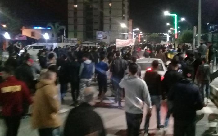 Photo of Manifestation de nuit à Alger contre les élections